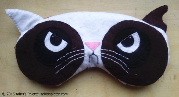 eye pillow grumply cat
