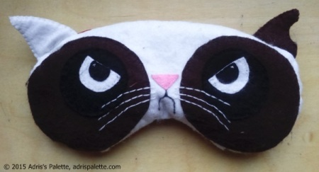 eye pillow grumply cat