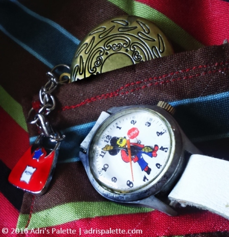 vest_interior-detail-watch